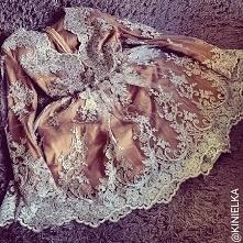 Piękna koronkowa sukienka na wesele