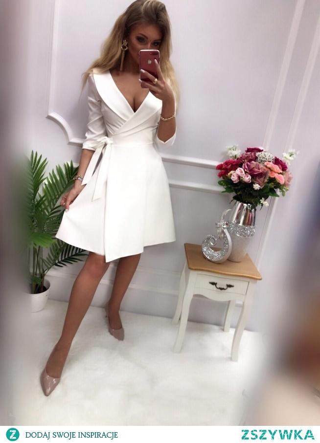 KLIKNIJ W ZDJECIE BY PRZEJŚĆ DO PRODUKTU SUKIENKOWO.COMAMANDA - żakietowa sukienka ecru