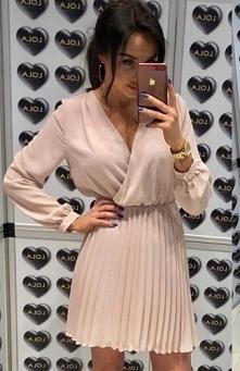Wiosenna sukienka plisowana