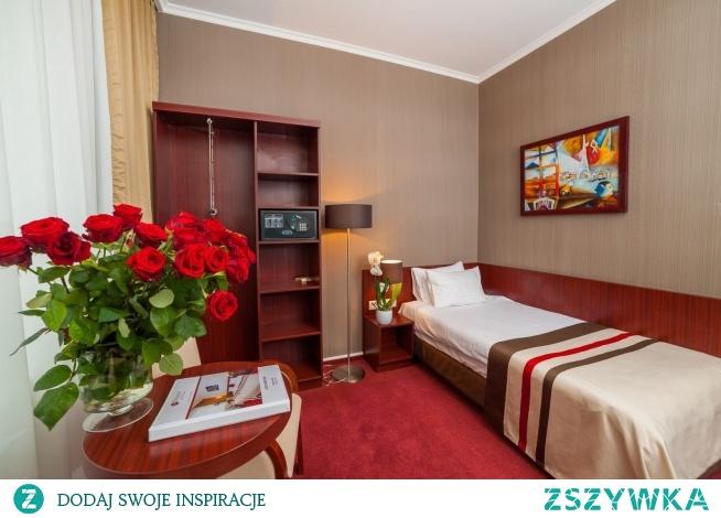 Pokój w Krakowie dla niepełnosprawnych do wielkie udogodnienie dla każdego podróżnika, który ma ograniczoną sprawność. Dzięki naszemu hotelowi on także będzie mógł się cieszyć najwyższym standardem!