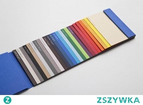 Papier ozdobny czarny i wiele innych kolorów - idealny na zaproszenia czy karty okolicznościowe. Wejdź do sklepu i zobacz.