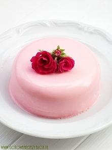 Różana panna cotta