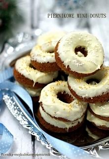 Piernikowe mini pączki w białej czekoladzie