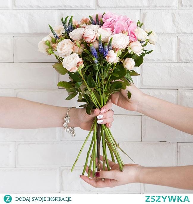 Wyślij kwiaty na Dzień Mamy z e-kwiaty.pl