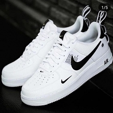 Nike Air Force 1 07 LV8 Uti...