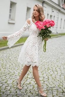 Koronkowa sukienka na komun...