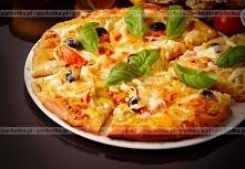 Pizza z anchois, oliwkami i...