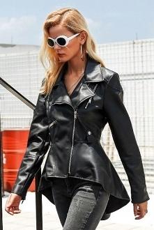 Asymetryczna, rozkloszowana kurtka to nowa odsłona klasycznej ramoneski! Kliknij na zdjęcie i sprawdź, gdzie ją kupić.