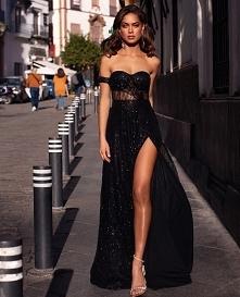 Długie suknie na wesele czy mniej oficjalne krótkie?
