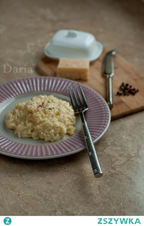 Risotto z masłem i parmezanem