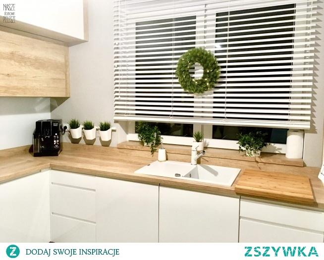 Białe żaluzje drewniane wykonane na wymiar u Pani Karoliny - jeśli też o takich marzysz, zajrzyj na Nasze Domowe Pielesze :)