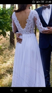 Sukienka i ten dekolt na plecach
