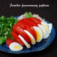 pomidor faszerowany jajkiem