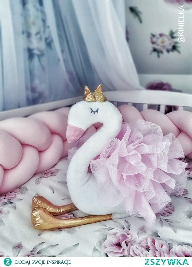 Maskotka Małej Księżniczki Łabędź Tiul zabawka