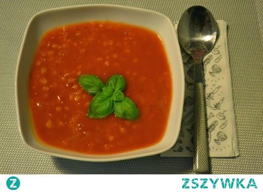 pikantny krem z pomidorów z soczewicą