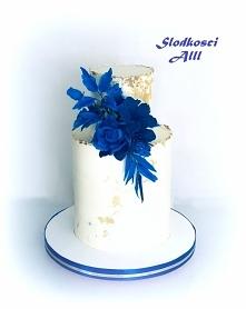 Tort ślubny z chabrowymi  d...