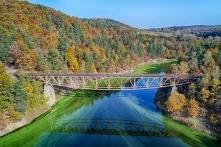 Jezioro Pilchowickie (woj. dolnośląskie) - zbiornik zaporowy (jezioro zaporowe) o długości 7 km, powierzchni 240 ha i pojemności 50 mln m³. Powstało przez przegrodzenie w latach...