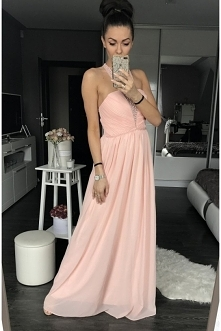 Maxi dress, idealna na wesele.