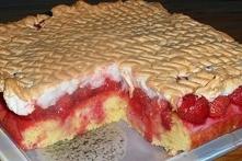 Ciasto truskawkowe z rosą