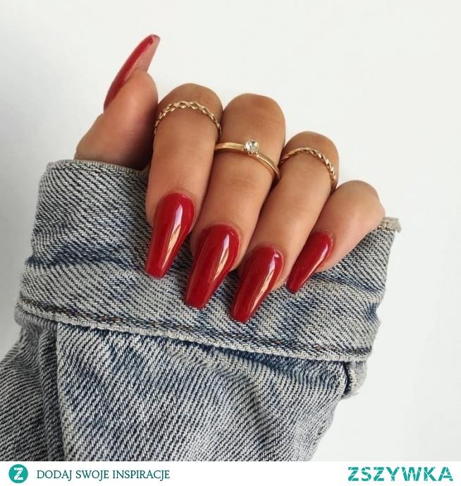 TOP pomysły na czerwone paznokcie