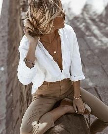 Idealne połączenie elegancji i luzu na ciepłe dni Koszula z dużym dekoltem