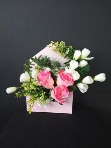 Flower box wykonany w różow...