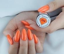 Moje odkrycie miesiąca - piękna pomarańcz z kolekcji super kryjących lakierów...