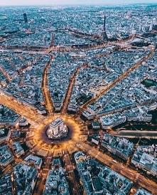 Paryż z lotu ptaka.