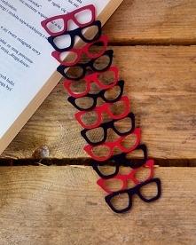 Okularowa zakładka do książ...