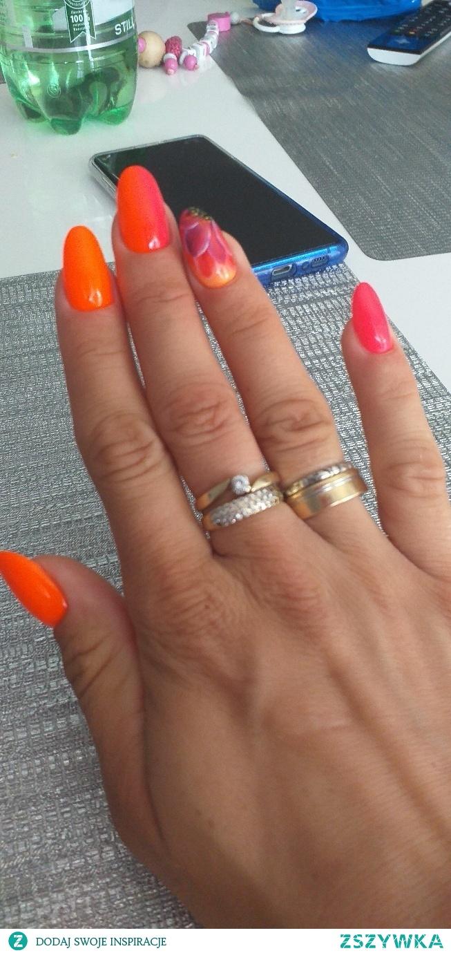 Czy tylko mi się wydaje że ten kształt paznokci nie jest dla mnie odpowiedni?