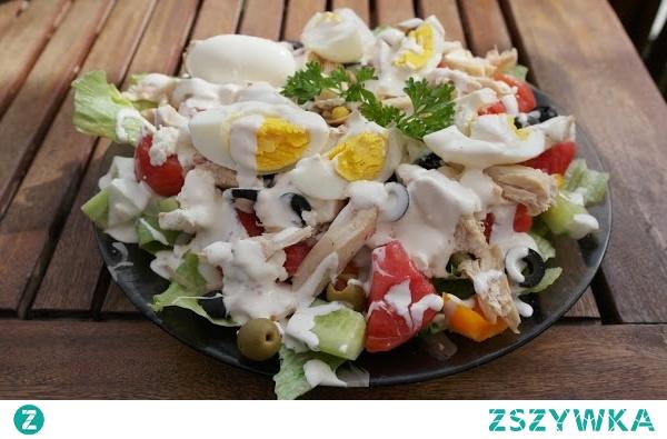 Sałatka na talerzu-pomysł na obiad