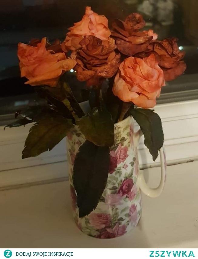 Róże z filtrow do kawy sobie poczyniłam