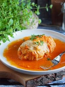 Gołąbki w sosie pomidorowym...