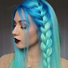 Niebieski *, *