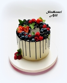 Tort z owocami krem, polewa