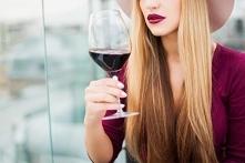 Jak alkohol wpływa na skórę?