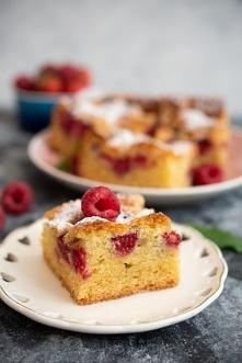 Szybkie ciasto z malinami