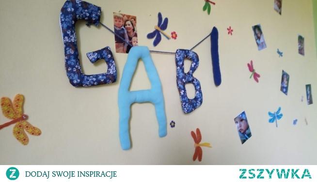literki z imieniem dziecka na ścianę - jak zrobić