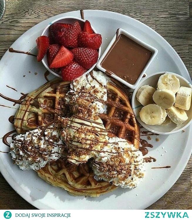 Gofry na śniadanie to zawsze dobry pomysł ;D