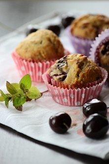 Muffiny z czereśniami i cze...