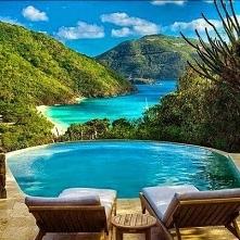Pięknie <3 Guana Island ...