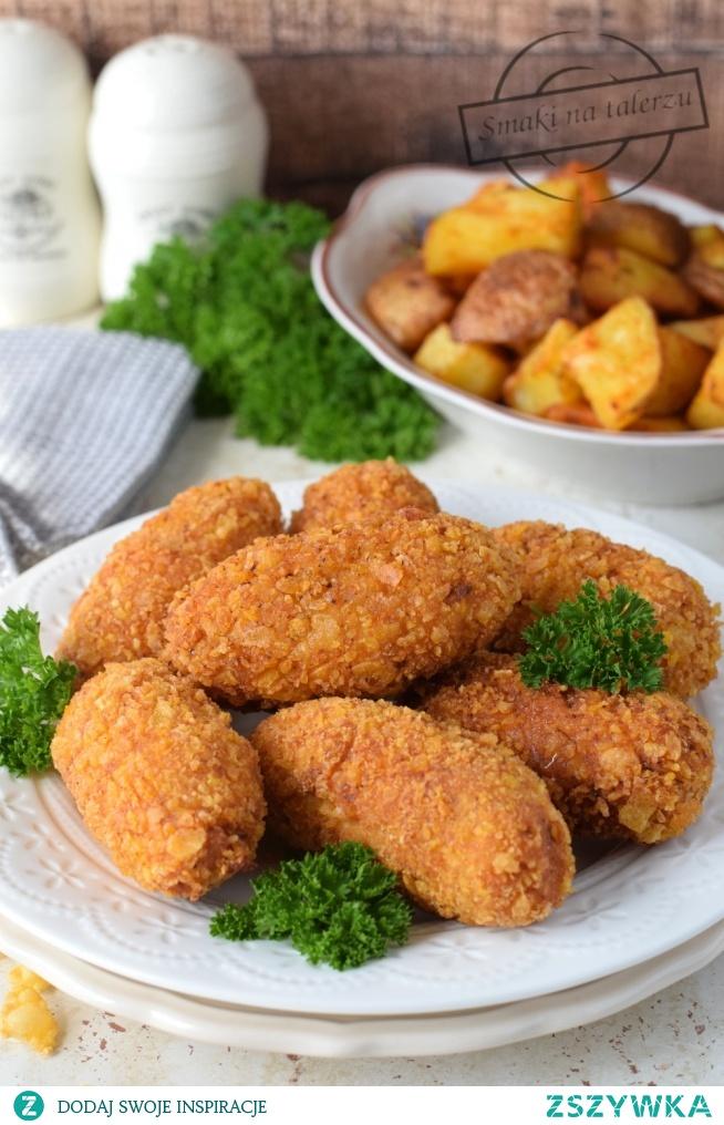 Chrupiące paluchy z kurczaka i pieczone ziemniaki