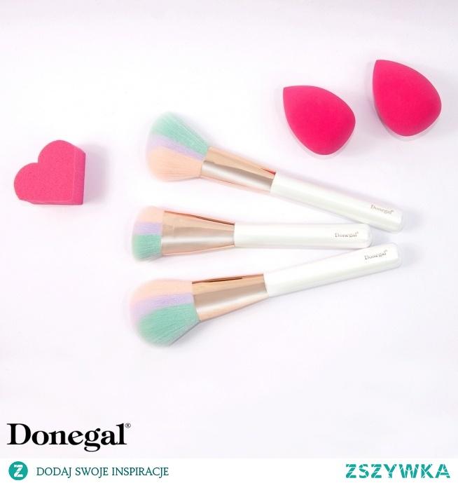 Jaka część makijażu jest wg Was najważniejsza? - przypudrowanie noska? - róż na policzkach? - rozświetlenie twarzy?   Beauty by Donegal
