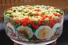 Sałatka makaronowa z jajkiem