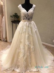 Seksowna suknia balowa z koronki iluzyjnej #weddingdress
