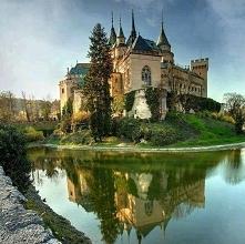 Zamek w Bojnicach na Słowacji