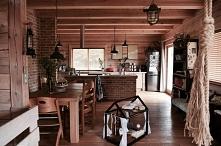 Żaluzje bambusowe w kolorze GRAHAM w pięknym drewnianym domu Julii Rozumek   Julia zaufała Naszym Domowym Pieleszom, jeśli chodzi o zasłonięcie okien :)