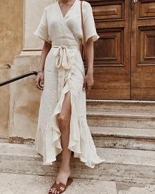 Póki jest lato, Michalina może postawić na długą letnią sukienkę wykonaną z l...
