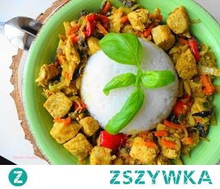 Kurczak z Warzywami po Chińsku. Pożywne i bardzo smaczne danie,szybkie do przygotowania.