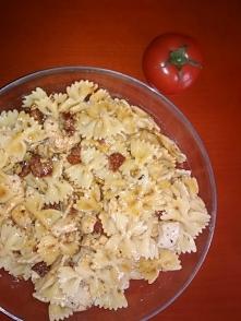 sałątka z suszonymi pomidorami